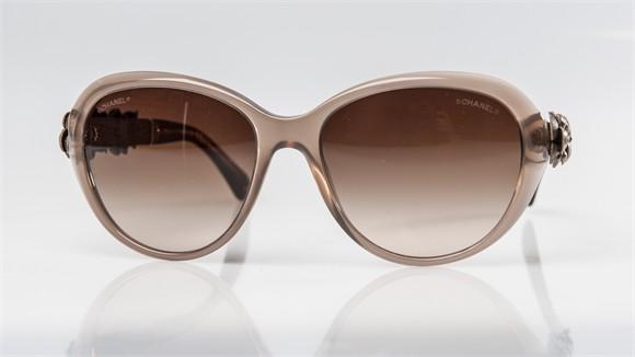 Chanel Collection 2015 der Serie Kamelien